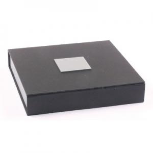Collieretui Schwarz / Silber 160 x 160 x 25 mm
